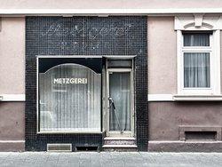 Umwidmung, Umwidmung Gewerbe in Wohnung, Metzgerei, Foto: iStock.com/Jchambers