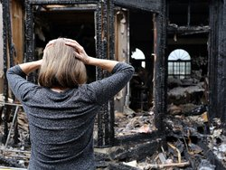 Gebäudeversicherung, abgebranntes Haus, Foto: Katherine/fotolia.com