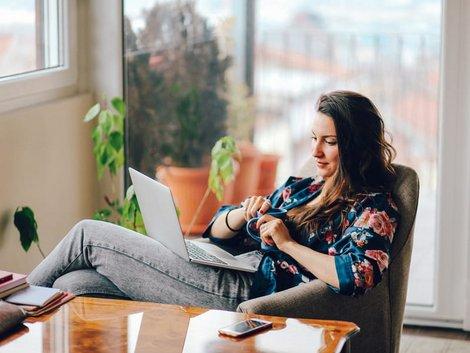 Betriebskostenabrechnung prüfen, aktueller Mieter zahlt oder bekommt Gutschrift, Foto: istock.com/lechatnoir