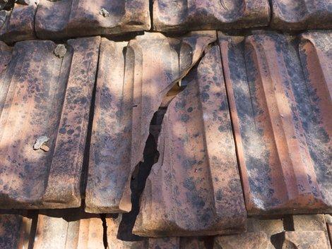 Schäden, Dach, Instandhaltungsrücklage, Foto: iStock/bulentozber